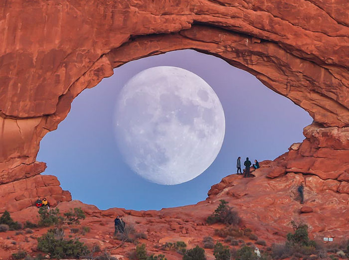 Not Photoshopped: Photographer Uses Only Lens To Make The Moon Look Supersized (26 Pics)