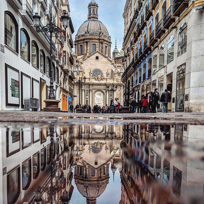 I Capture The Beauty Of Cities Using Reflections And My Smartphone (20 New Pics)