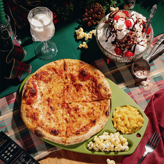We Prepared 6 Unconventional TV Dinners Based On Popular Christmas Movies (6 Pics)