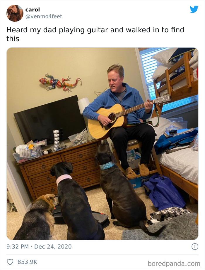 Escuché a mi padre tocando la guitarra y me lo encontré así