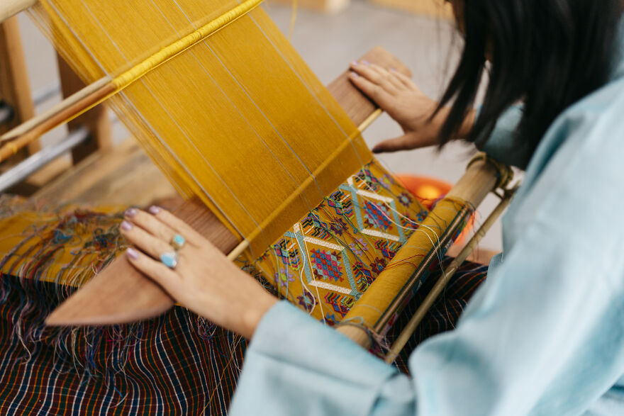 Among The Traditional Cultures Of Bhutan, Handloom Has Its Roots In National Dress. The Technique Of Handloom Weaving, Which Is Extremely Beautiful, Has Been Handed Down From Grandmother To Mother, And From Mother To Daughter, Generation To Generation.
