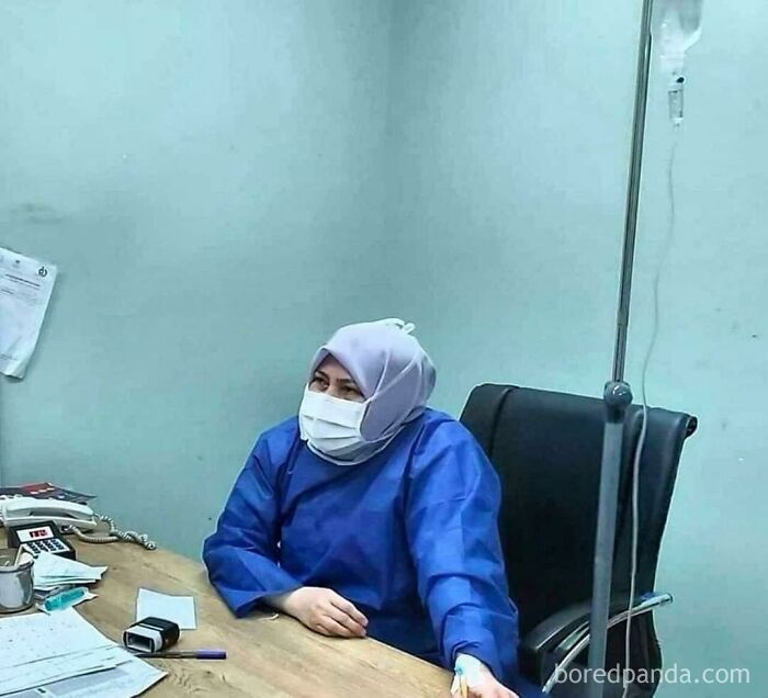 Hats Off To Iranian Doctor Shirin Rouhani Who Passed Away Due To Coronavirus. Due To Lack Of Medical Staff , She Kept Treating Cornaviris Patients Till Her Last Breath. Look Closely , She Herself Is On The Iv While Treating Patients. U Would Be Remembered Shirin ! Rest In Peace