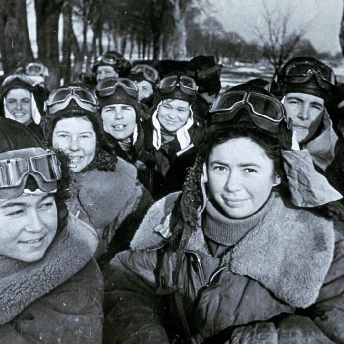 """Meet The """"Night Witches"""", Fearless Russian Female Pilots Who Bombed Nazis By Night, 1941"""