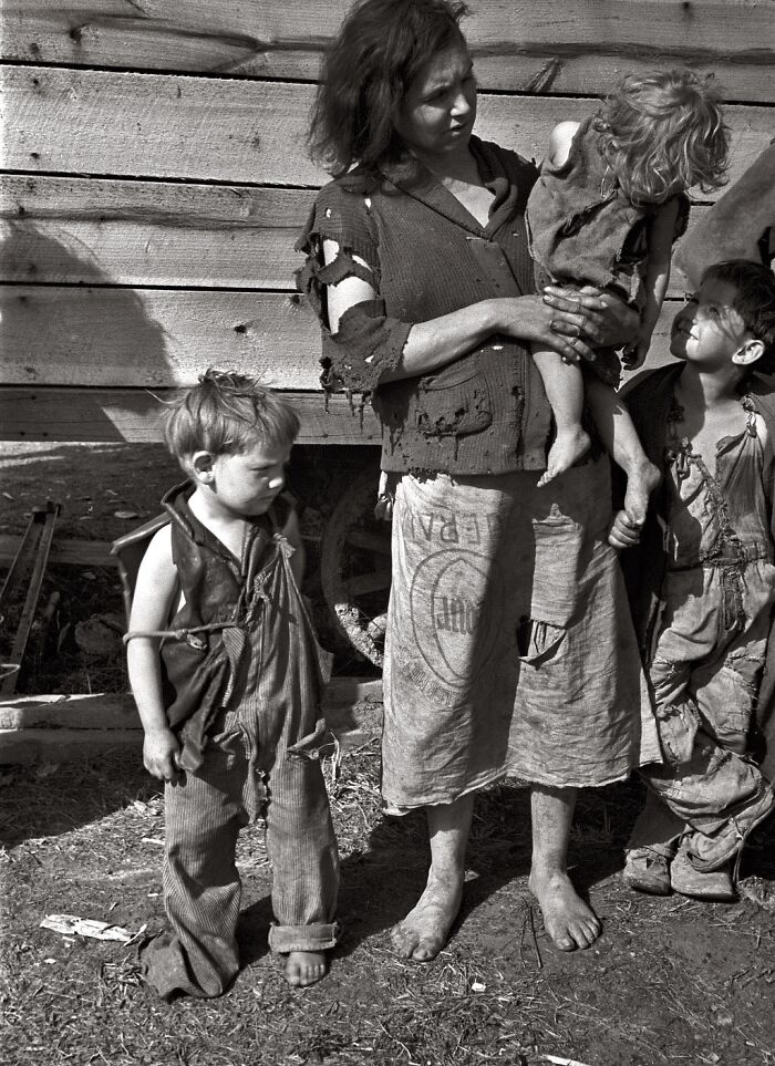Mother And Baby Of Family Of Nine Living In Field On U.S. Route 70 Near The Tennessee River, March 1936