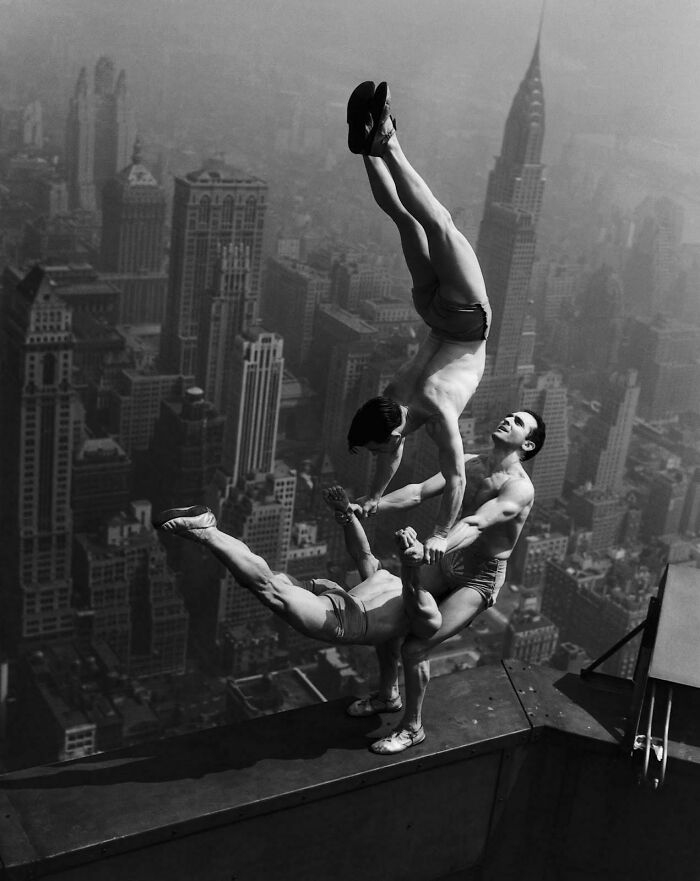 Acrobats Balance On Top Of The Empire State Building (1934)