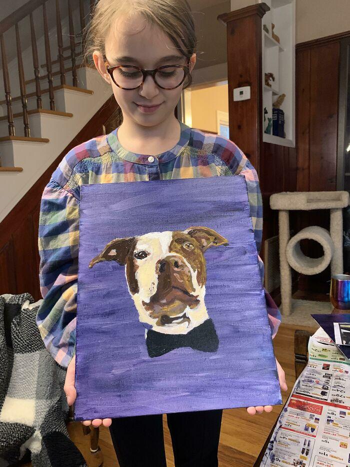 Mi hija de 8 años está pintando retratos de mascotas para recaudar fondos para el refugio de animales
