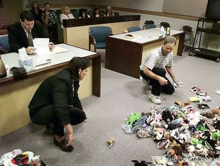 A Divorcing Couple Dividing Up Their Beanie Baby Collection In Court, 1999