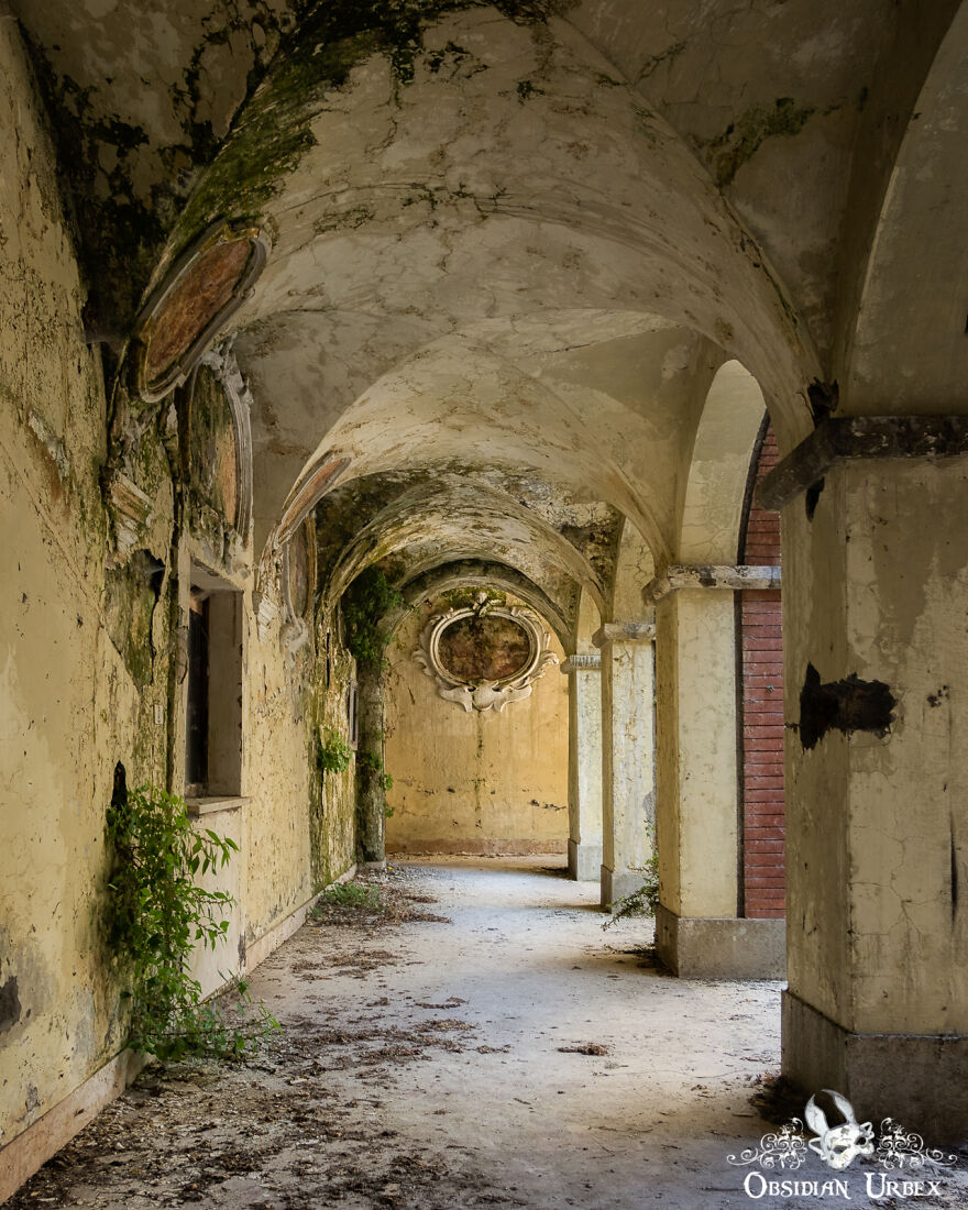 Stunning Natural Decay Inside A Crumbling Convent