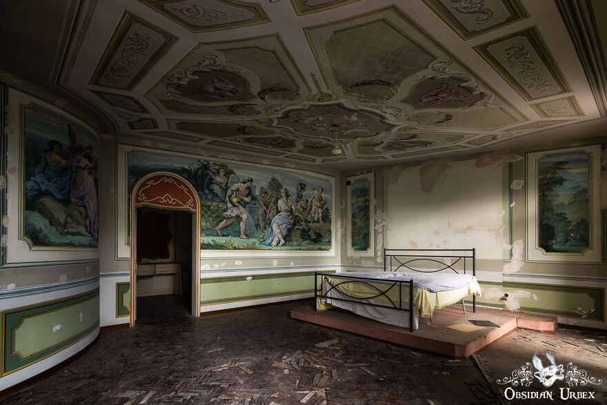 This Bedroom Is In One Of The More Modern Italian Villas Which I Visited