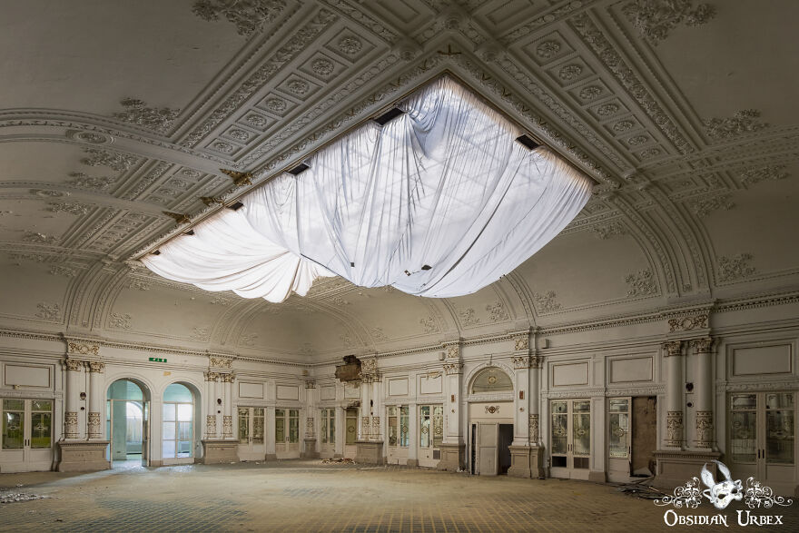 This Five-Star Hotel Has Been Abandoned For Nearly Two Decades. This Ballroom Must Have Once Hosted Amazing Parties