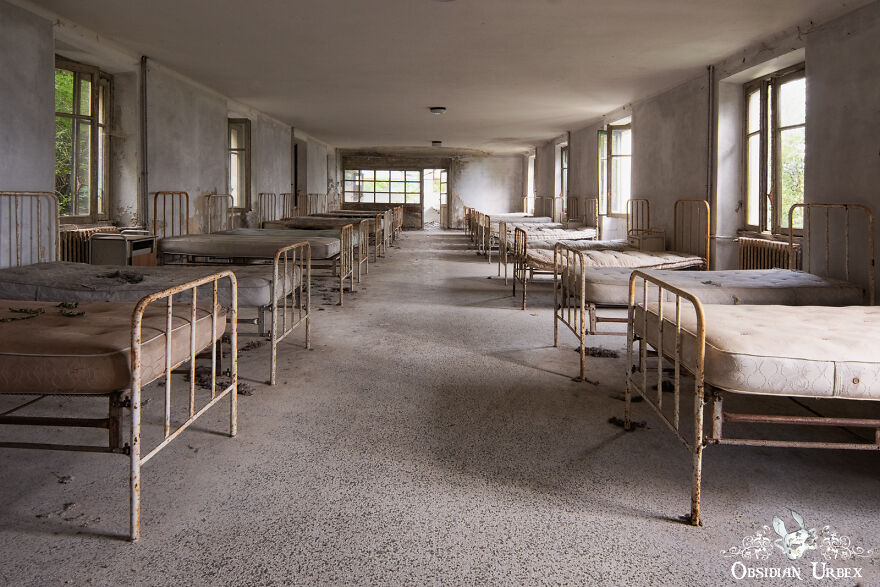 A Children's Dormitory Inside An Abandoned Sanatorium. In The Years Before Antibiotics, Sunlight And Fresh Air Was Used To Treat Patients With Many Respiratory Diseases Including Tuberculosis.