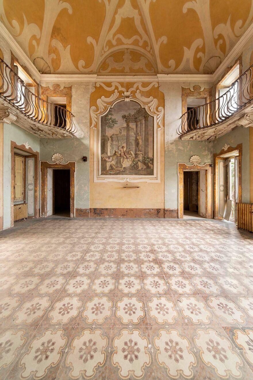 Abandoned Sanatorium, Italy