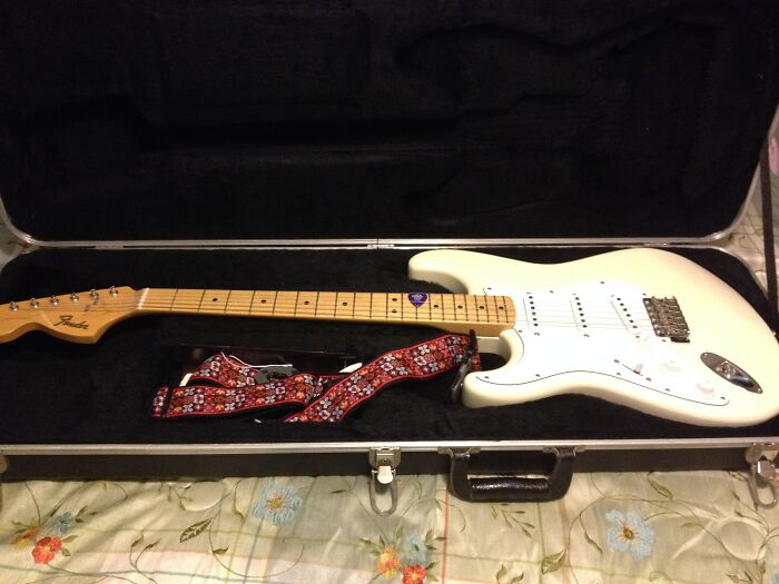 My Version Of Jimi Hendrix' Woodstock Stratocaster (I'm Right Handed)