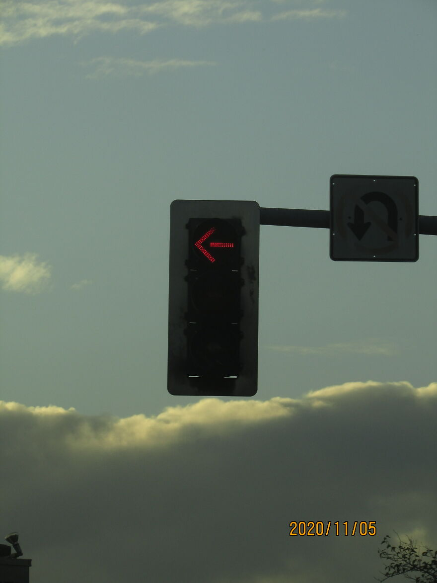 Stop The Car It's Red Light!