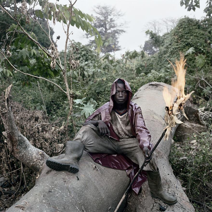 """Martin Kofi, Wild Honey Collector, Techiman District, Ghana, 2005, """"Wild Honey Collectors"""""""