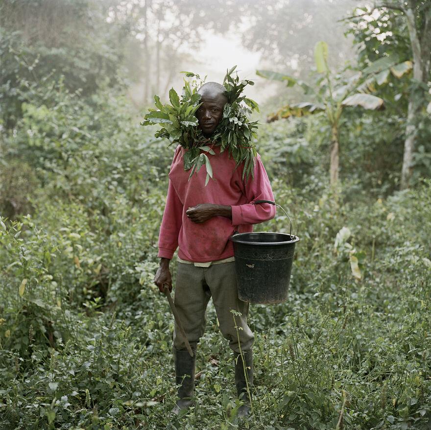"Paul Ankomah, Wild Honey Collector, Techiman District, Ghana, 2005, ""Wild Honey Collectors"""