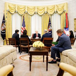 18 Imágenes que muestran las diferencias entre Biden y Trump en la decoración del Despacho Oval