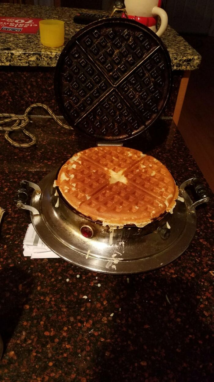Waffle Iron From The 1920s Still Working Flawlessly