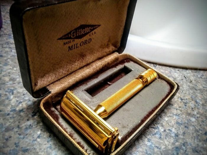 My Grandpa's Razor I Inherited, Used To Shave With Him (W/Out Razor In) When Little. 25ish Yrs Later I'm Here, Cleaned It Up And Threw New Razor In. 1940's Gold Plated De
