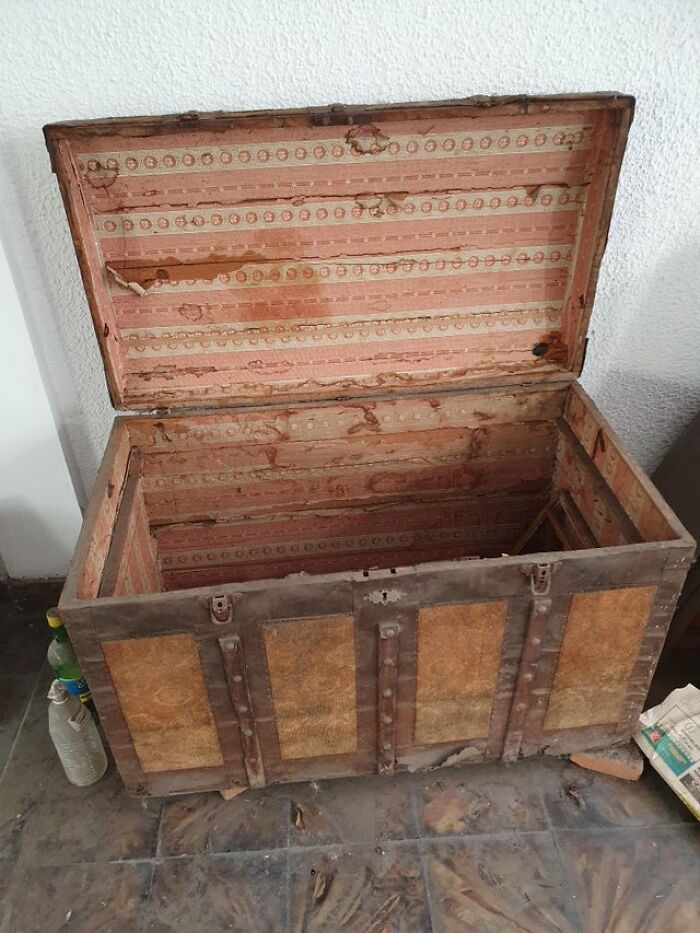 My Jewish Great-Grandparents Used This Travelling Case When They Moved From Izmir, Ottoman Empire To Argentina In 1910. Still Functional