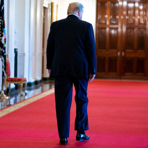 20 Tuits salvajes que muestran cómo celebró la gente el último día de Trump como presidente