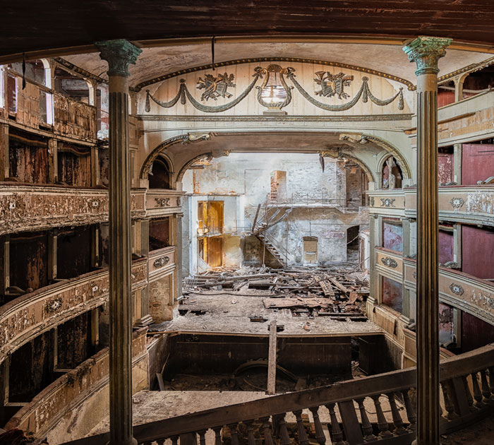I Traveled All Over Italy And Took Pictures Of Mesmerizing Abandoned Buildings (32 Pics)