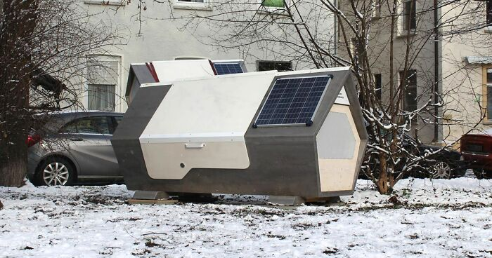 "A City In Germany Installs ""Sleeping Capsules"" For The Homeless"