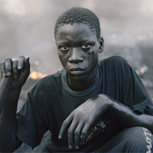115 Candid Photos By Pieter Hugo Show The Reality Of Marginalized People In Rwanda, Nigeria, Ghana, And South Africa