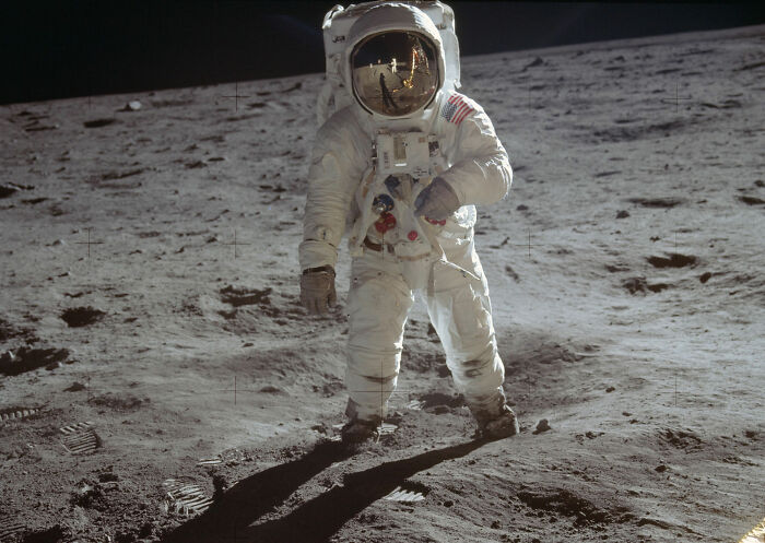 Til That After Landing On The Moon During Apollo 11, Buzz Aldrin Accidentally Damaged The Circuit Breaker That Would Arm The Ascent Engine That Would Get Them Off The Moon. The Astronauts Activated The Engine By Triggering The Circuit With A Felt-Tipped Pen