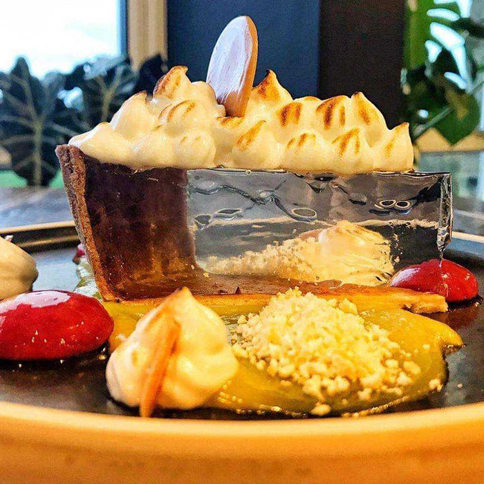 A Transparent Lemon Meringue Pie By A Leeds-Based Chef Amazed The Internet, And Now People Are Asking For A Recipe