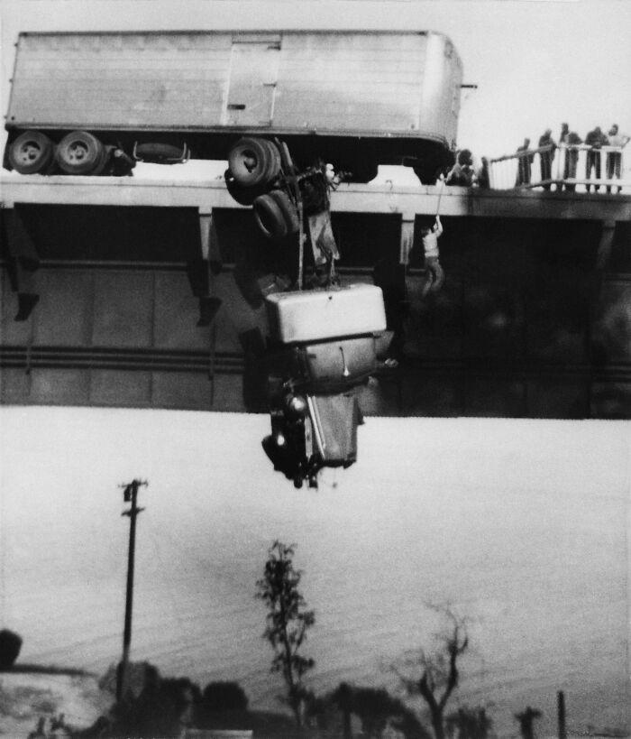 """1954 """"Rescate en el puente del río Pit"""""""