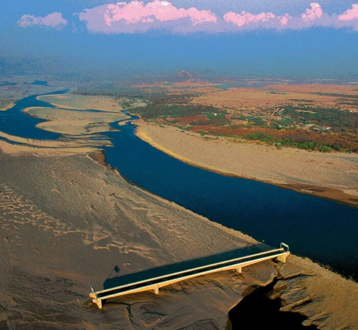 In 1998, Honduras Built A Bridge Over The Choluteca River, But Hurricane Mitch Rerouted The River