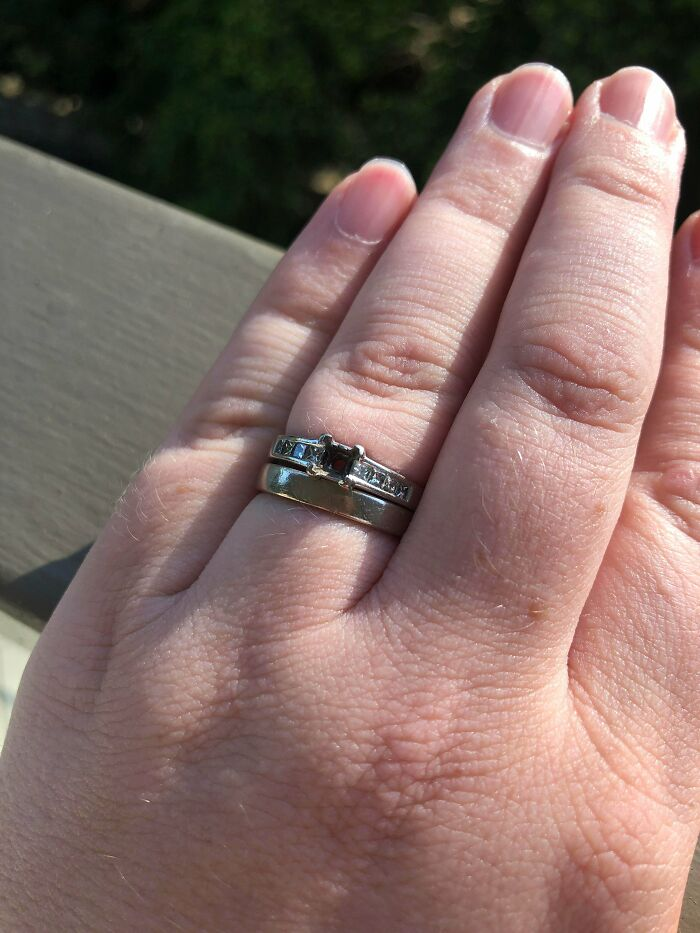 The Diamond In My Ring Fell Out Today. It Came With A 10 Year Workmanship Guarantee. Yesterday Was Our 10th Wedding Anniversary