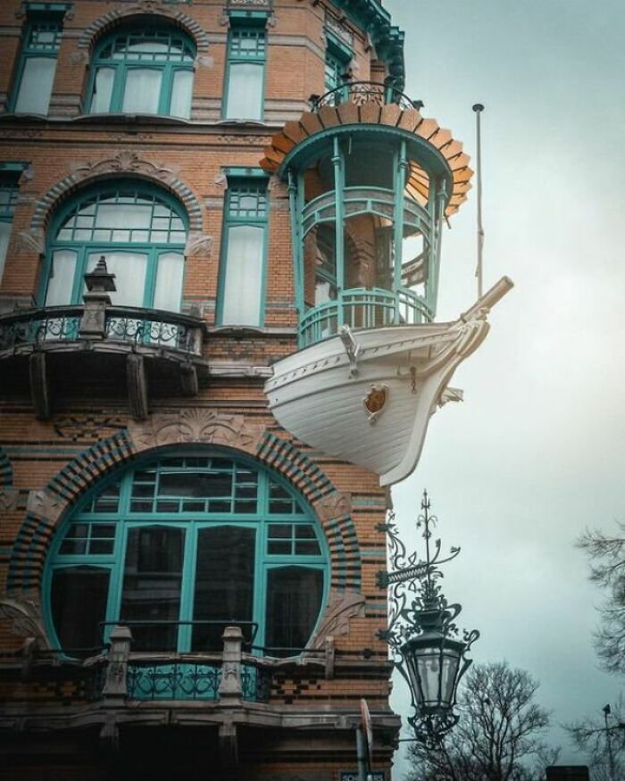 "This Art Nouveau Building Known As The ""Het Bootje"" (""Little Boat"") In Antwerp, Belgium"