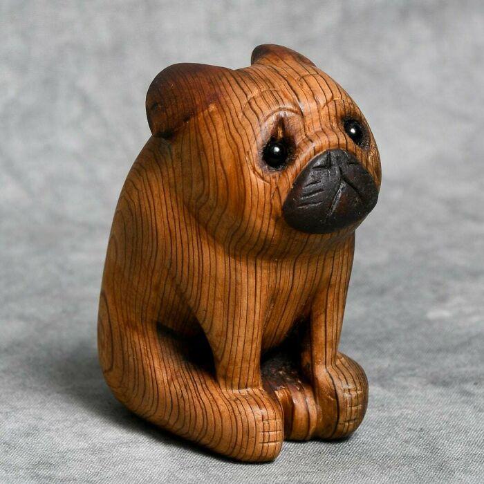 Tallado en madera de granero recuperada como regalo para mi amigo cuyo carlino falleció recientemente