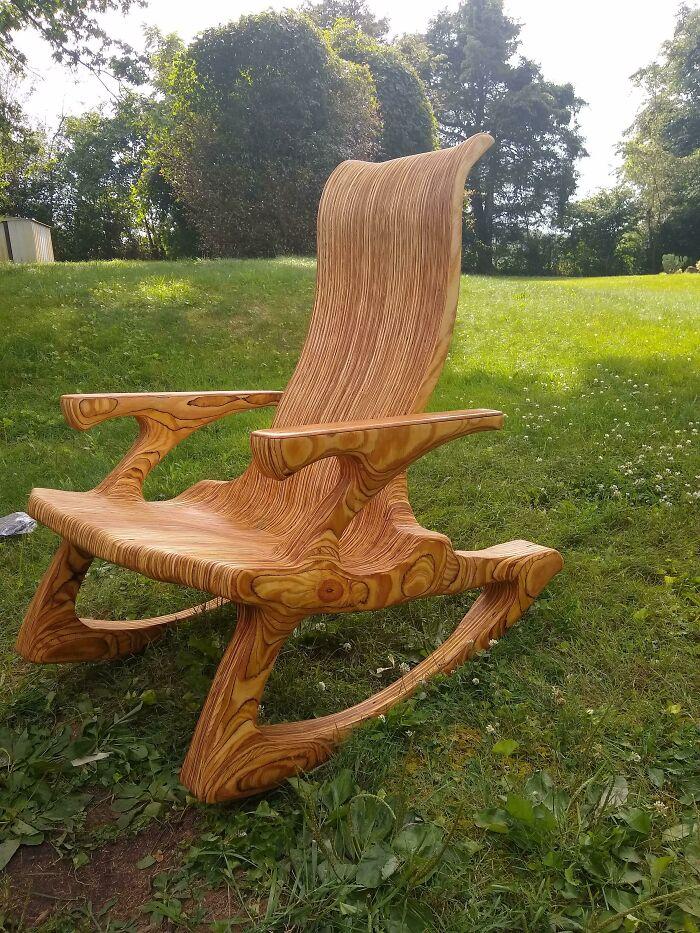 Escuché que había un desafío de madera contrachapada así que aquí está mi balancín de madera contrachapada para su consideración