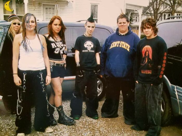 Me And Friends Before A Disturbed Concert In 2006. We're So Cool Posing In Front Of Mom And The Van