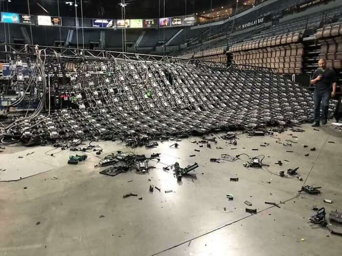 When A 300k Wall Of Monitors Falls Over