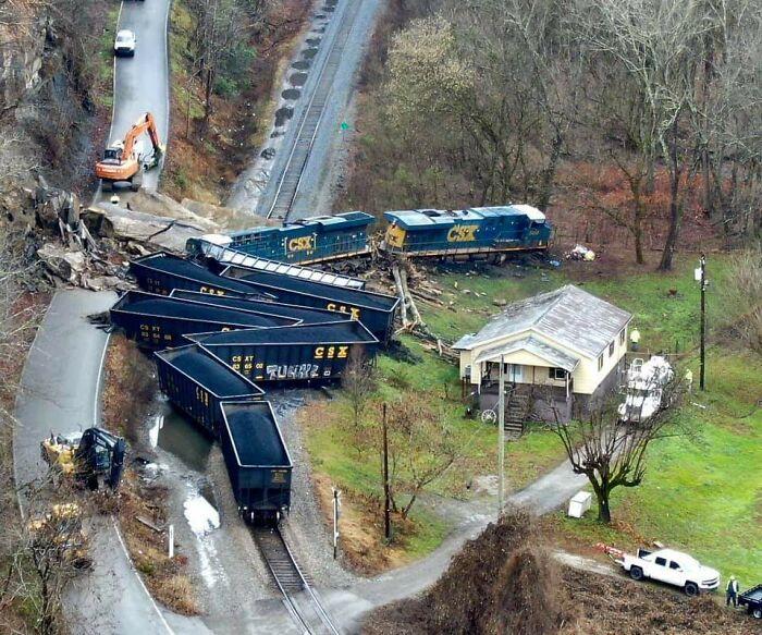 Csx Coal Train Derailment