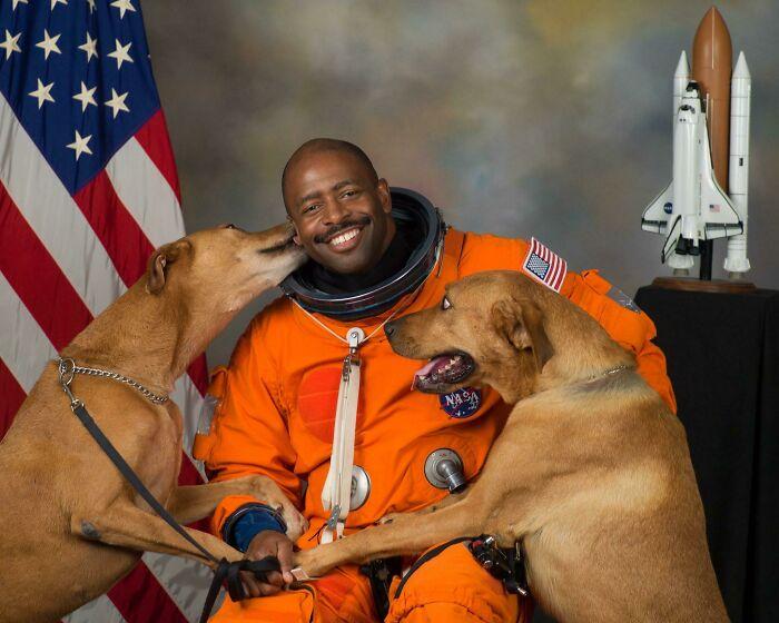 Retired NASA Astronaut, Leland Melvin's Official Portrait