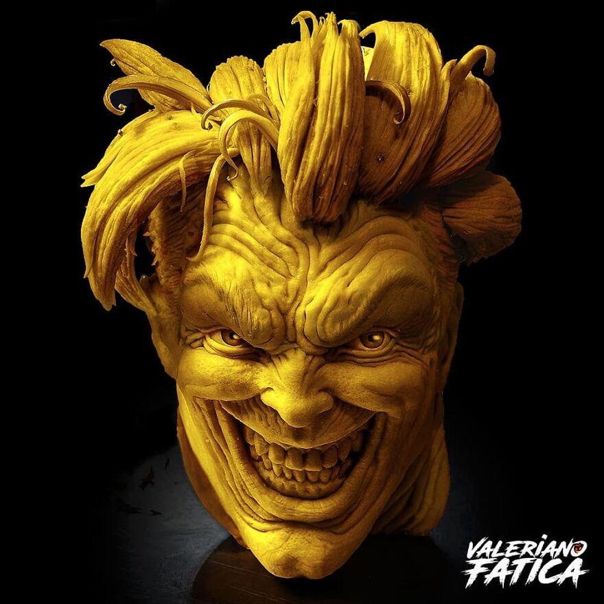 Joker – Pumpkin Sculpture