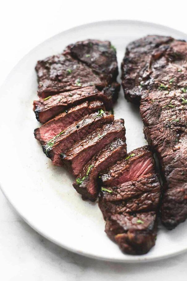 Best-Quick-Steak-Marinade-_-Creme-De-La-Crumb-60379c13ebff8-jpeg.jpg