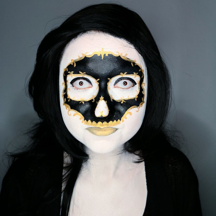 2020 October – Black And Gold Skull Mask