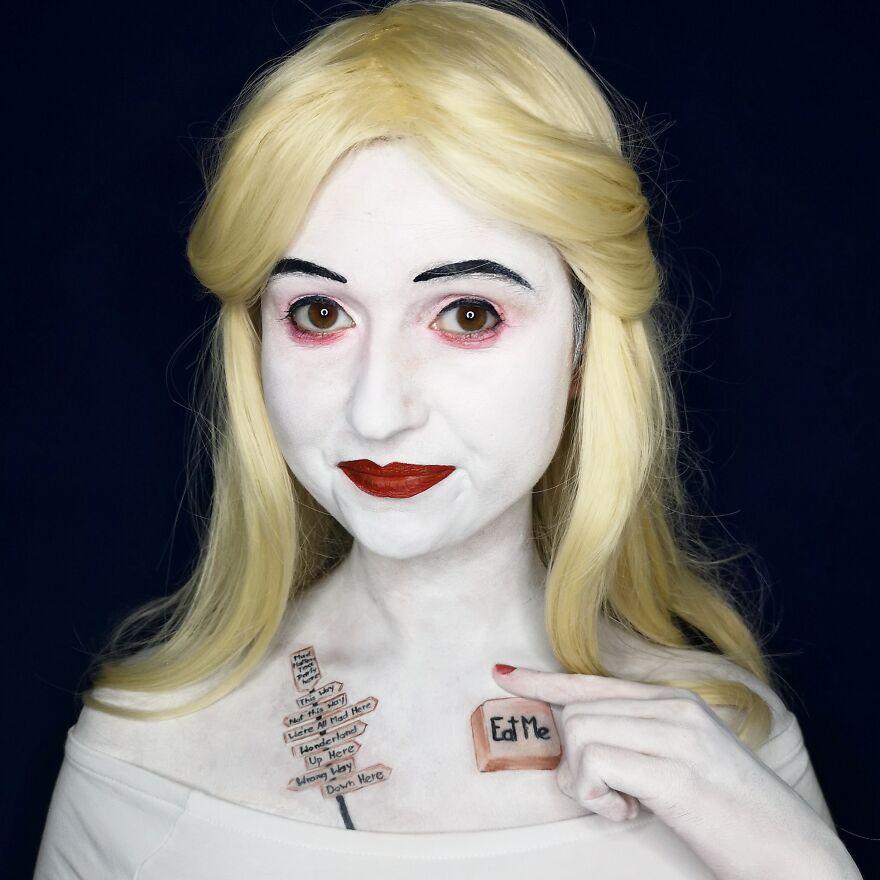 2019 October - The White Queen, Alice In Wonderland