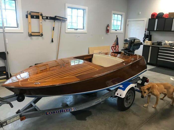 """Barco que hice en mi garaje. Los planos son de Glen-L Boat Plans. Este es el """"Squirt"""" 10 pies. Me tomó 2 años para acabarlo. Me divertí mucho haciéndolo"""