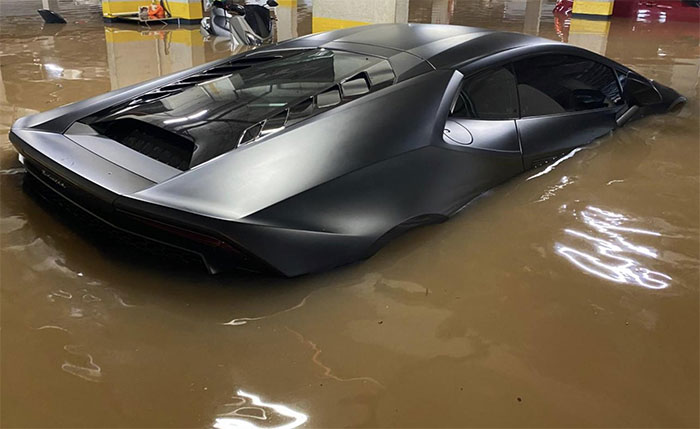 Lamborghini Huracan Flooded Due To Rain In São Paulo. It Was Not Insured