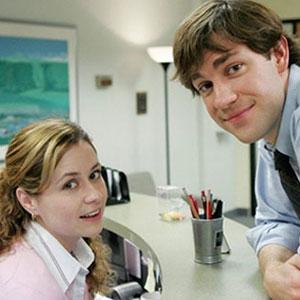 30 Comparaciones de parejas famosas en la pantalla y el aspecto actual de sus actores