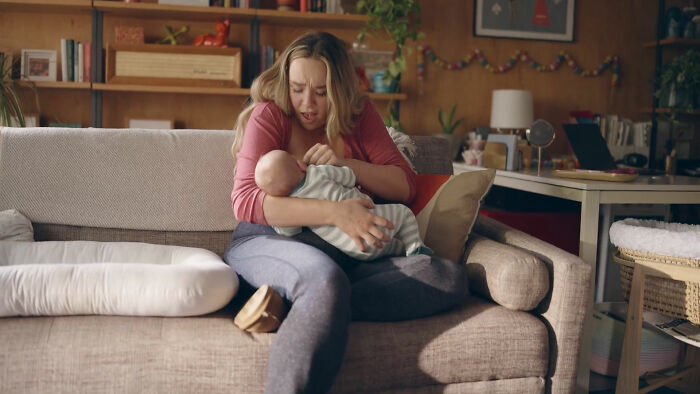 New Ad Shows The Reality Of Lactating Breasts And It's Set To Air During The Golden Globes
