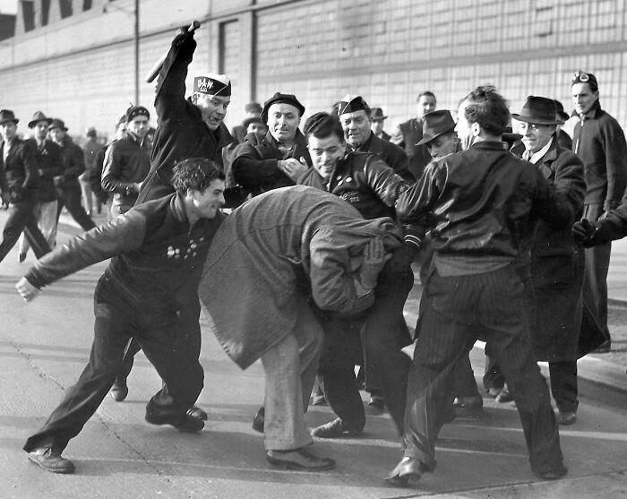 """1942 """"Revuelta de los huelguistas de Ford"""""""