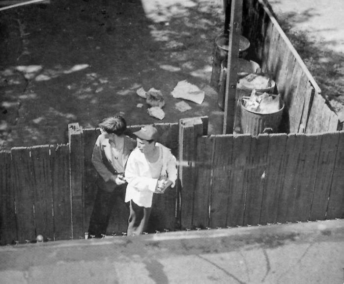 """1948 """"Chico pistolero y rehén"""""""